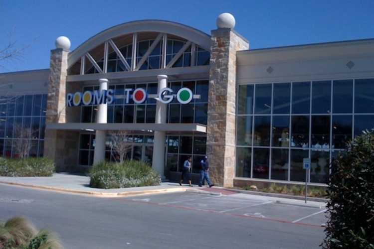 HCC Helps Bring Furniture Giant to Destin, Florida